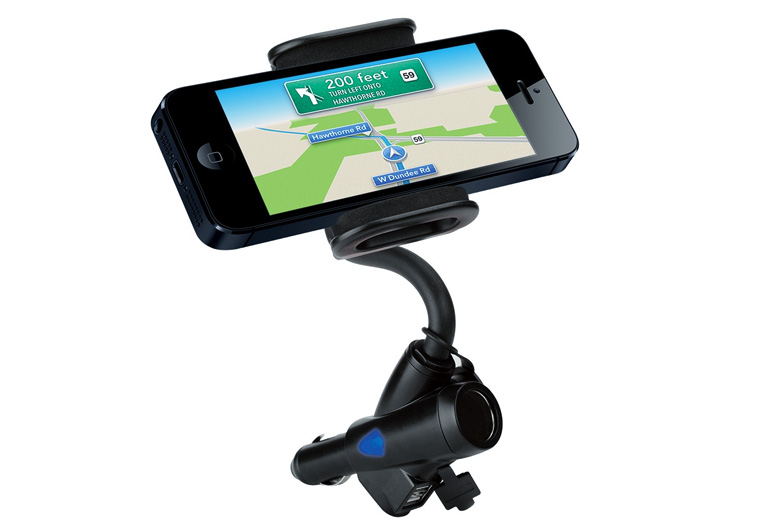 人気!2ポートUSBを搭載したiPhone用車載マウントをオンラインストアで発売開始。