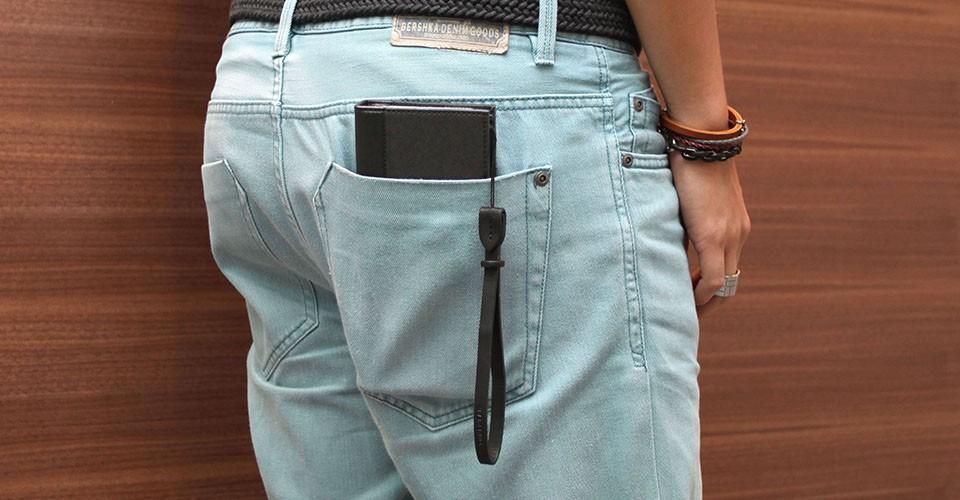 TUNEWEARケースレビュー第2弾! 新しいスタイルのお財布一体型ケース「Complete Wallet」