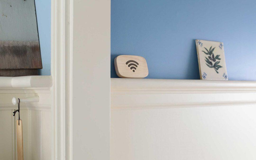 パスワード入力がいらない、スマートフォンをかざすだけですばやくWi-Fi接続ができるWifi Porterを発売