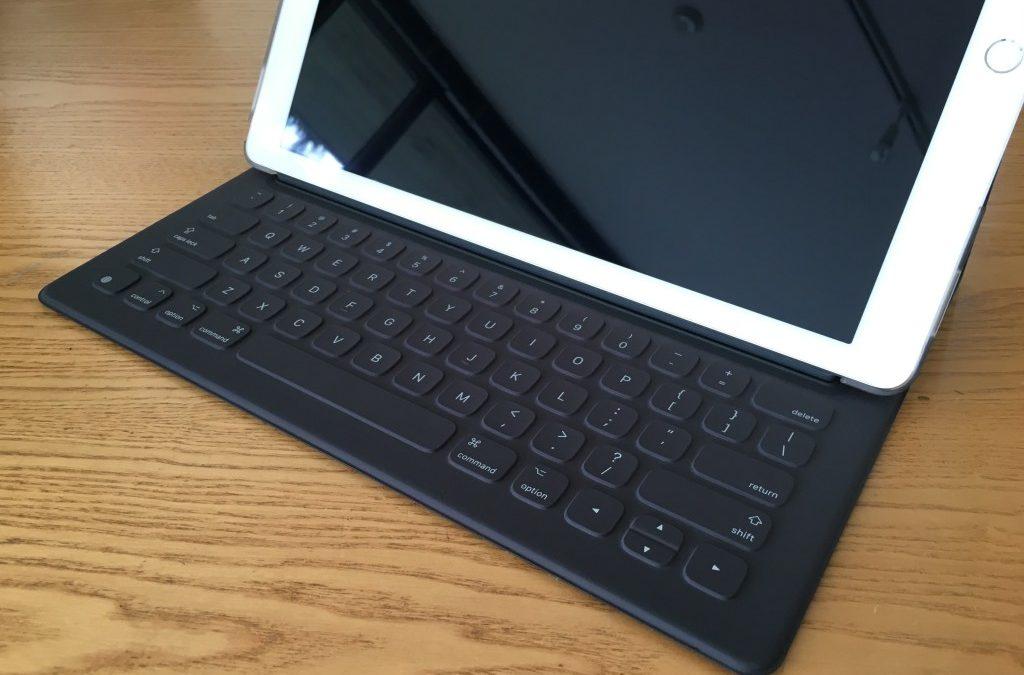iPad Proを入手!eggshellとBrushed Metalケースを試してみた。