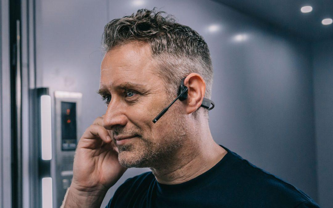 【新色登場!】クラウドファンディングで、8,200万円以上の支援を集めたAfterShokzの骨伝導ヘッドセット「OpenComm」一般販売開始!